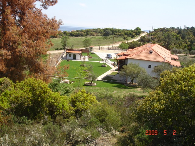 http://www.roomingreece.com/images/DSC00784(small).jpg